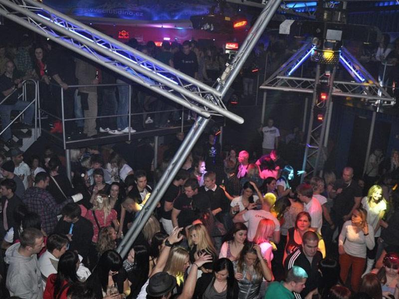 disco-club-dino-02