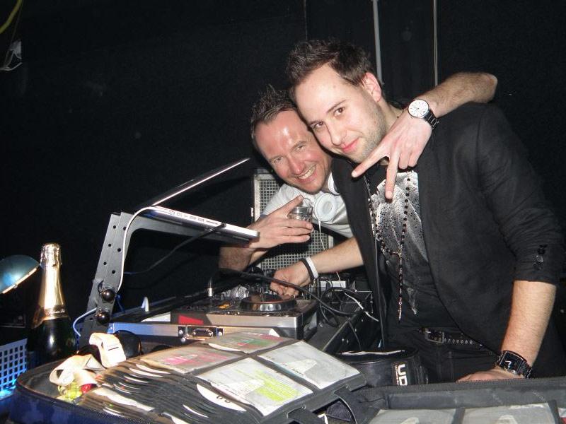 disco-club-dino-04
